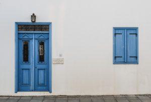 דלת כניסה במבצע
